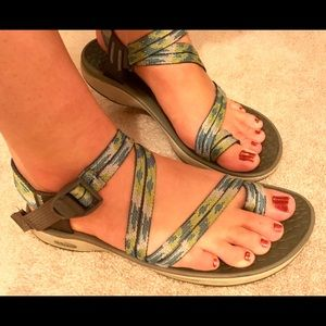 Chaco sandals sz 7 - two strap